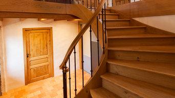 Escalier à la française deux quartiers tournants en Chêne débillardé