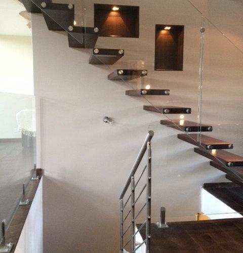 escalier autoportant balustrade en verre. Black Bedroom Furniture Sets. Home Design Ideas