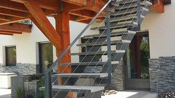 Escalier avec marches en pierre naturel