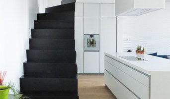 Escalier Wave acier laqué noir / Black lacquered steel Wave stairs