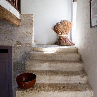 Idées déco pour un escalier campagne en L de taille moyenne.