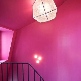 パリのエクレクティックスタイルのおしゃれな階段の写真