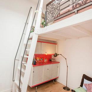 Idées déco pour un petit escalier sans contremarche droit industriel avec des marches en bois.
