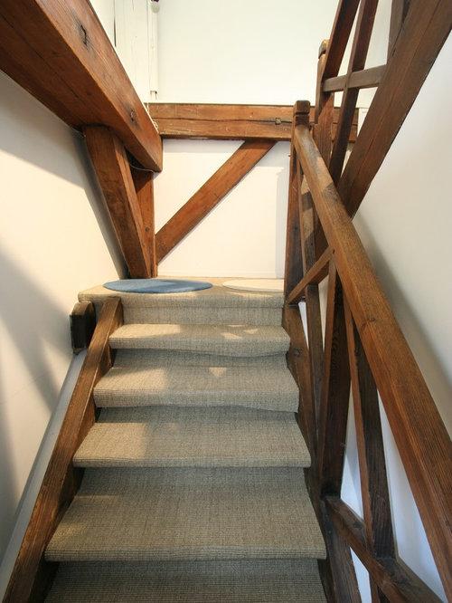 ejemplo de escalera en u rural de tamao medio con escalones y