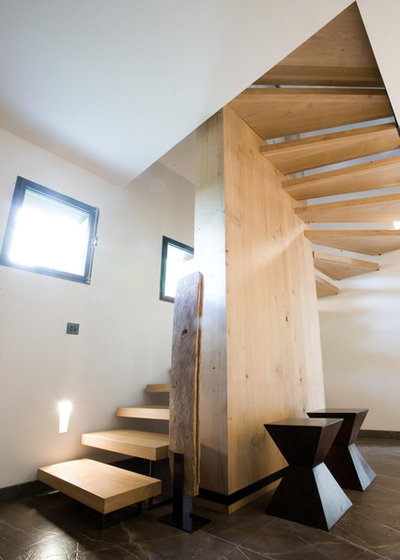 comment nettoyer un escalier en bois et l 39 entretenir au quotidien. Black Bedroom Furniture Sets. Home Design Ideas