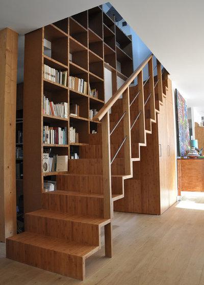 Moderne Escalier by Daria Roncara Architecte