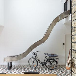 Exemple d'un escalier tendance de taille moyenne.