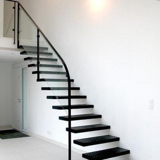Exemple d'un escalier sans contremarche droit tendance de taille moyenne avec des marches en métal.