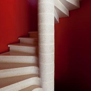 Cette image montre un escalier hélicoïdal bohème.