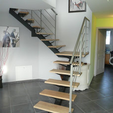 Contemporary Staircase by METAL ET CONCEPT
