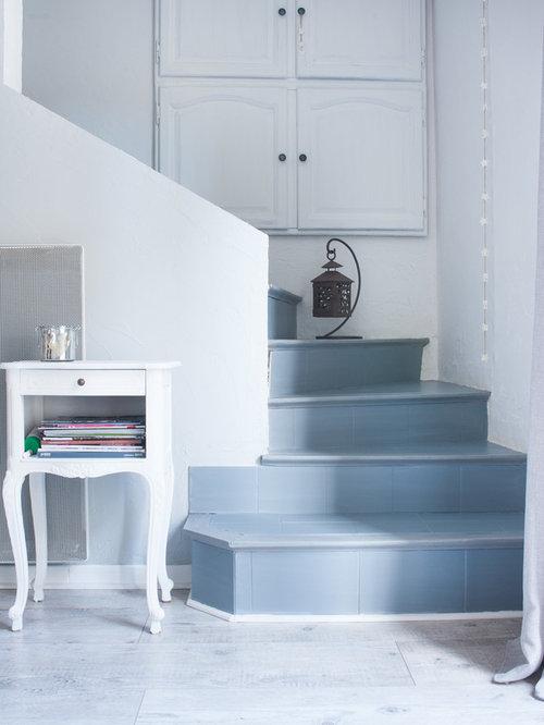 Photos et id es d co d 39 escaliers romantiques for Coller des plinthes en carrelage