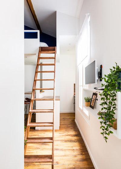 Industriel Escalier by NEVA Architecture Intérieure - Interior Design