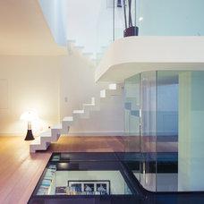 Contemporary Staircase by Le Studio / Pierre Antoine Compain