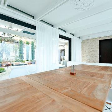 400 qm Atrium Bungalow in Bayern - Renovierung und Interior Design