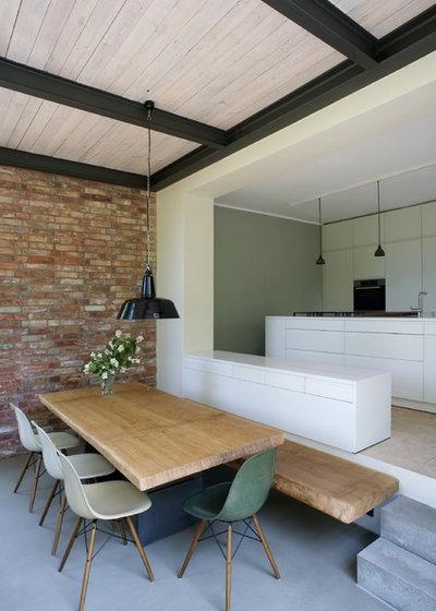 wunderbar wandelbar so ver ndert man holz in textur und farbe. Black Bedroom Furniture Sets. Home Design Ideas