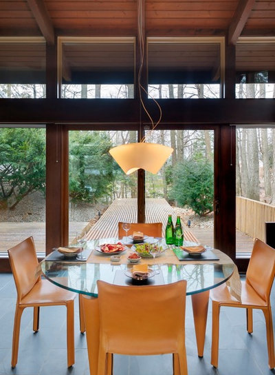 Contemporary Dining Room by Antje Bulthaup Architektin