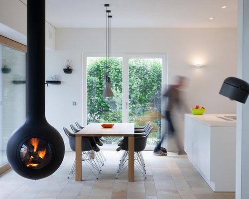 Fantastisch Mittelgroße Moderne Wohnküche Mit Weißer Wandfarbe Und Travertin In Sonstige