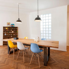 Contemporary Dining Room by INpuls