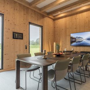 Superieur Geschlossenes, Mittelgroßes Modernes Esszimmer Ohne Kamin Mit Brauner  Wandfarbe, Grauem Boden Und Teppichboden In