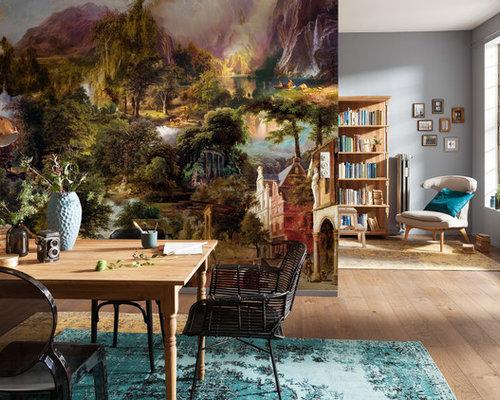 Offenes, Mittelgroßes Modernes Esszimmer Mit Bunten Wänden Und Hellem  Holzboden In München