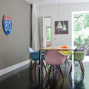 Perfekt Offenes, Mittelgroßes Modernes Esszimmer Ohne Kamin Mit Dunklem Holzboden  Und Grauer Wandfarbe In Frankfurt Am