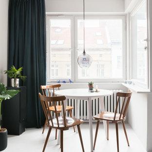 Diseño de comedor nórdico, pequeño, con paredes blancas y suelo de linóleo