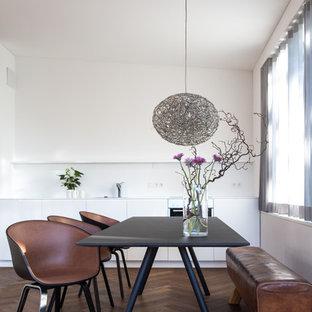Salle à manger avec un sol en bois foncé Munich : Photos et idées ...