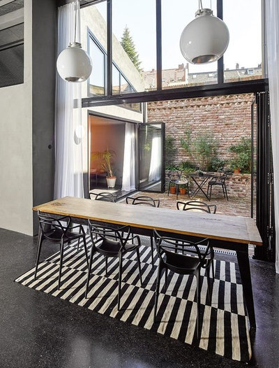 Industrial Dining Room by DIIIP
