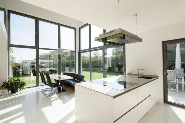 Modern Esszimmer by in_design architektur