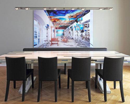 Mittelgroßes Modernes Esszimmer Mit Grauer Wandfarbe Und Braunem Holzboden  In Hamburg