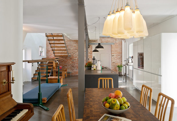 Industrial  Esszimmer by .rott .schirmer .partner Architektur