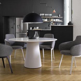 Mittelgroße Moderne Wohnküche in Stuttgart