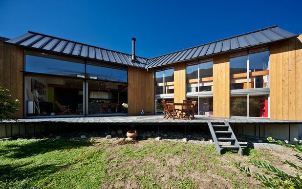 家の外観 by UZU architects
