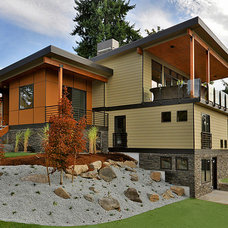 Modern Exterior by H2 View