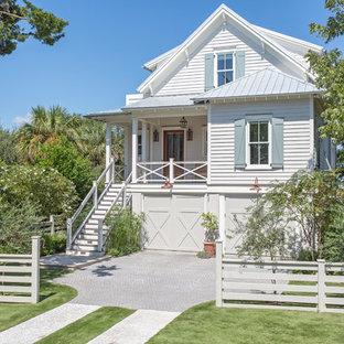 75 Beautiful Coastal White Exterior Home Pictures Ideas September 2020 Houzz