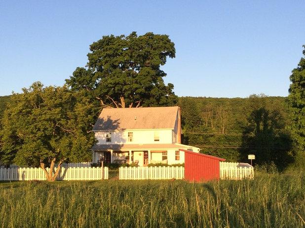 Farmhouse Exterior by Hendricks Churchill