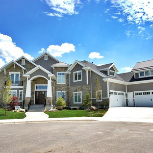 2014 NWHBA Parade Home-Front elevation