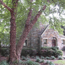 Traditional Exterior by Jeanna Reeves, Broker/Realtor, Northside Realty