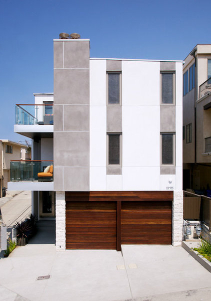Contemporary Exterior by Whitten Dunn Architects