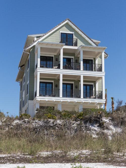 Foto e idee per facciate di case facciata di una casa al for Piani casa cottage shotgun