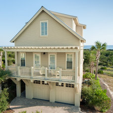 Beach Style Exterior by Emerald Coast Real Estate Photography