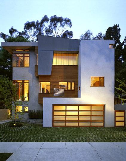 Modern Exterior by Robert Granoff