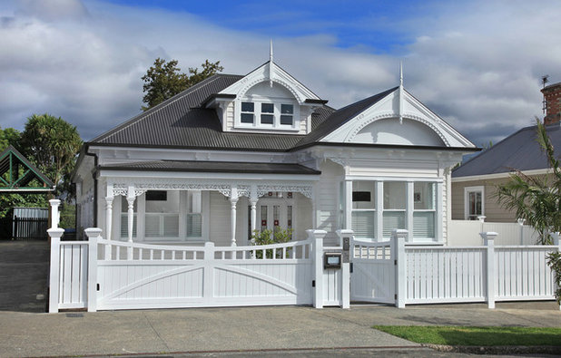 Traditional Exterior by Tile Space New Zealand
