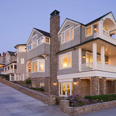 Traditional Exterior by Evens Architects