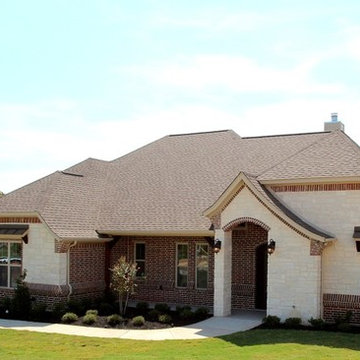 4406 Twin Oaks Court - Granbury, Texas - Couto Homes
