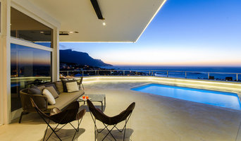 A stunning modern home with underwater spa in cape town makes one