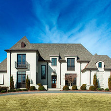 Traditional Exterior by Toulmin Homes