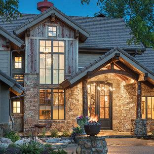 Idées déco pour une façade de maison montagne.