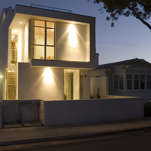 Design ideas for a medium sized modern exterior in Los Angeles with three or more floors.