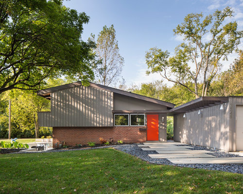 example of a 1960s exterior home design in kansas city